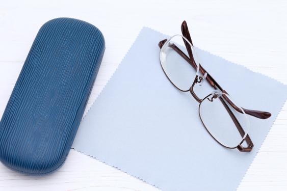 メガネケース:目からウロコの耳より情報局