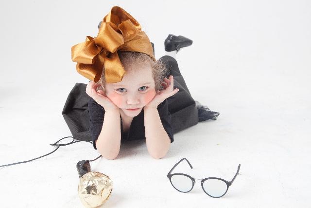 メガネの女の子の画像:目からウロコの耳寄り情報局