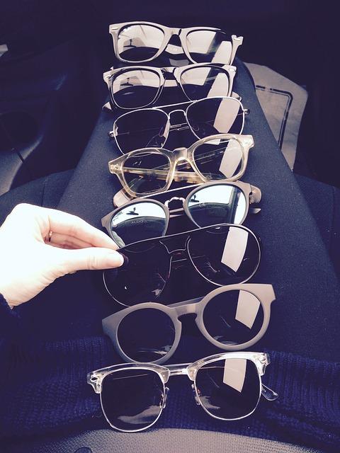 メガネコレクションの画像:目からウロコの耳寄り情報局
