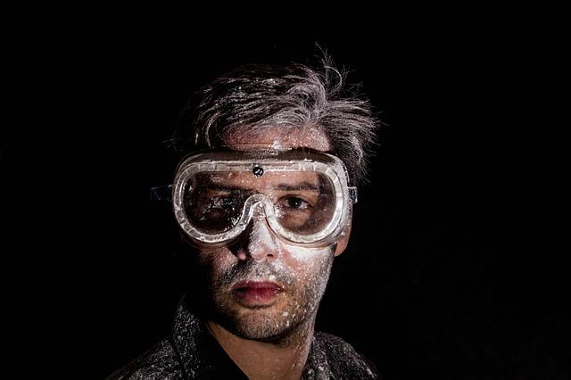 汚れたメガネの画像:目からウロコの耳寄り情報局